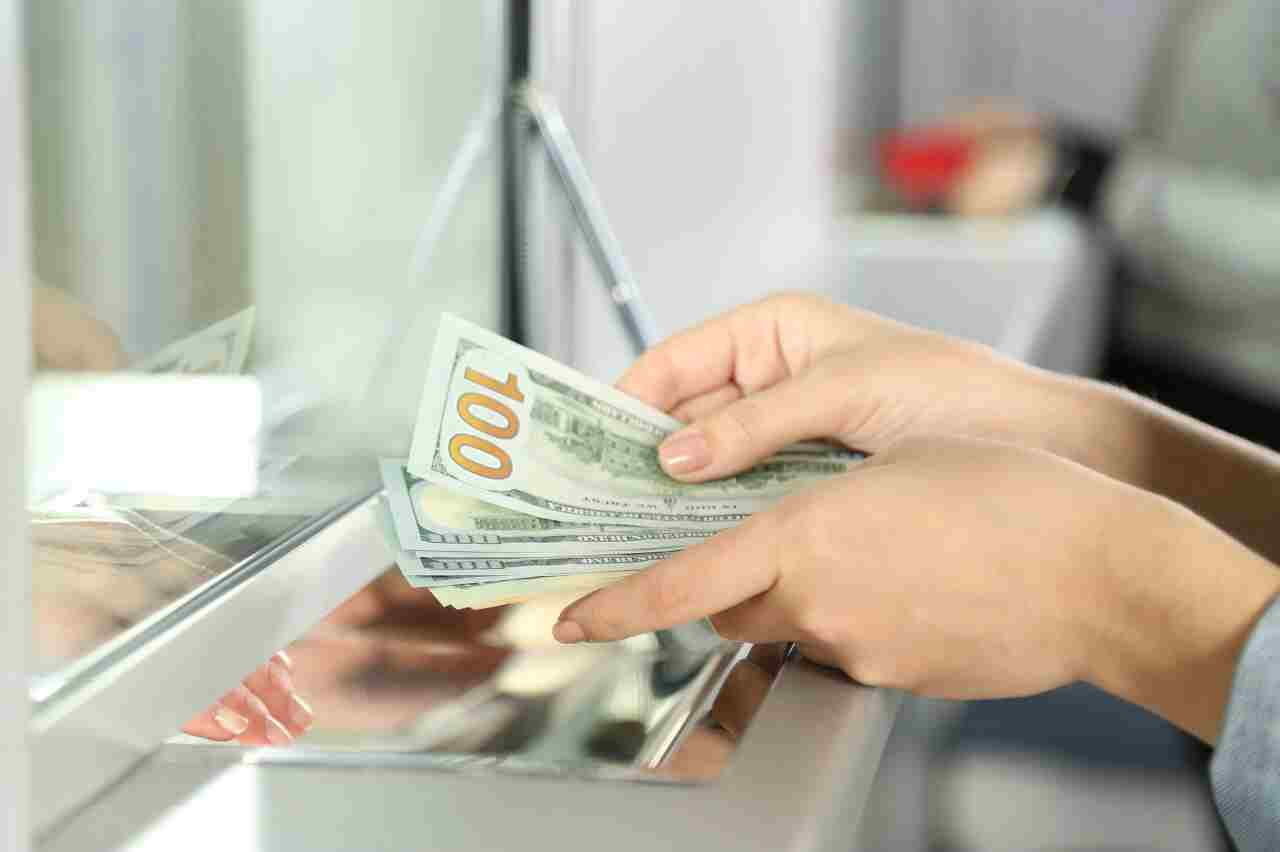 how to deposit large amounts of cash